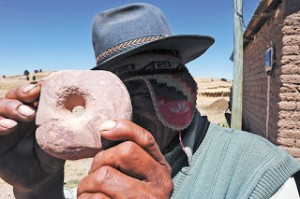 Lukurmata donut stone for sale via La Razón